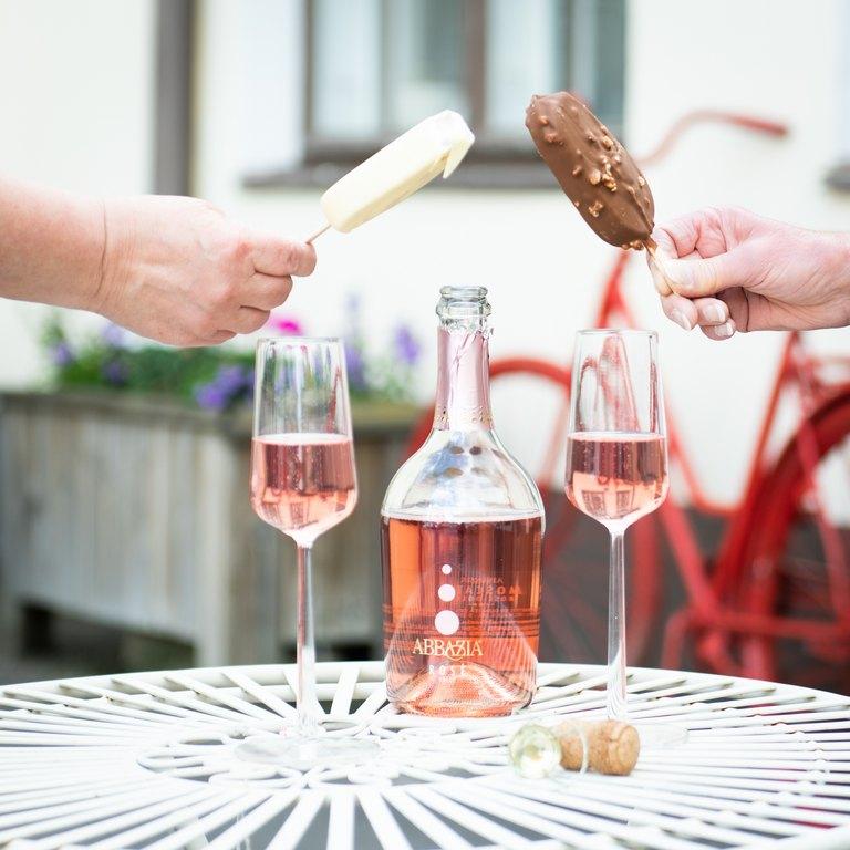 Abbazia Moscato rose dolce- kuohuviini